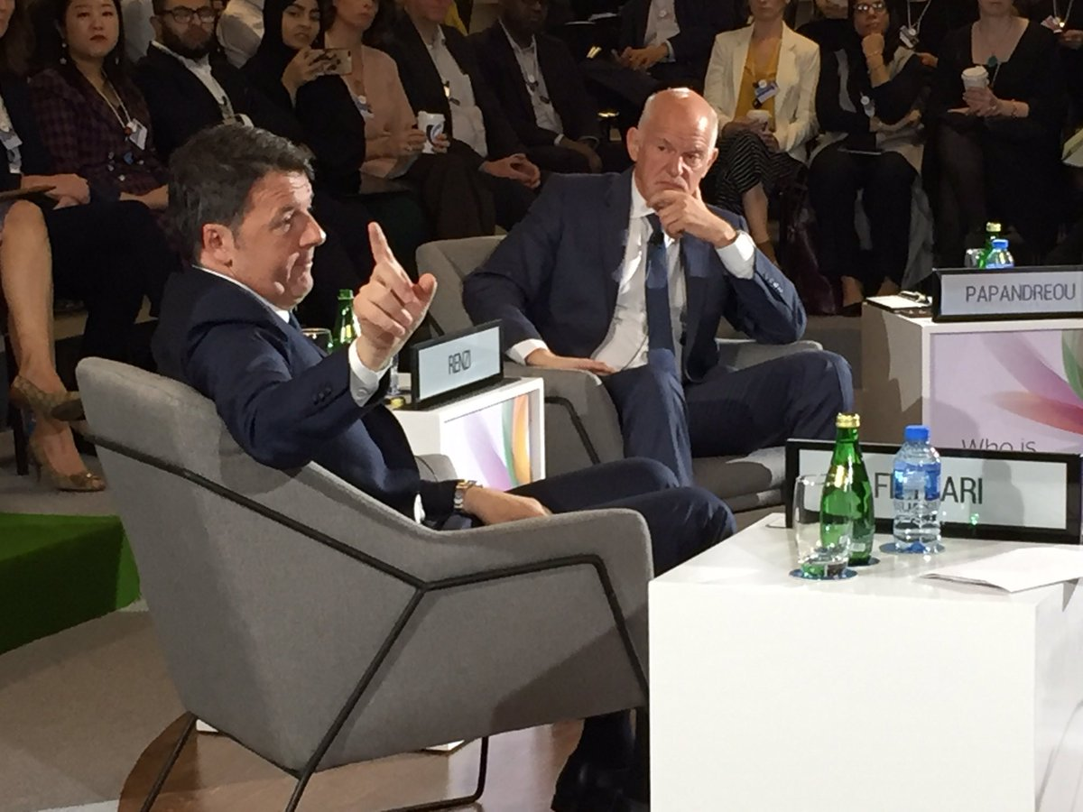 Weird quirk of the sound system here: the microphone of ex-Italian PM Matteo Renzi seems to cut out whenever he talks about a second #Brexit referendum<br>http://pic.twitter.com/Nm0geJ8on2