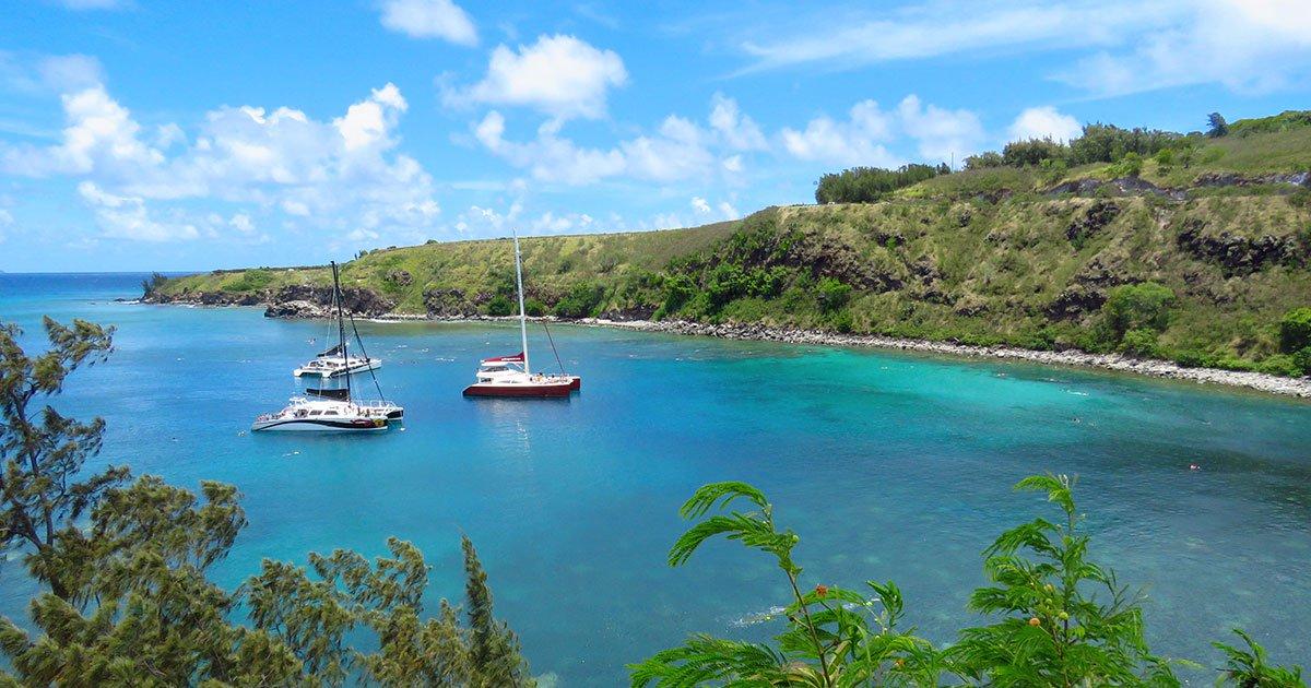 Maui's Best Boating Trips  https:// activityauthority.com/mauis-best-boa ting-trips/ &nbsp; …  #honolua #molokini #humpbackwhales<br>http://pic.twitter.com/UUufIzVoKj