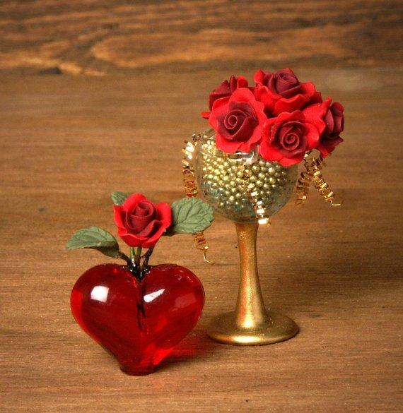 Red Miniature Heart Vase for your Dollhouse -  http:// etsy.me/2n9tm0C  &nbsp;    valentinesday <br>http://pic.twitter.com/RVmT7tlpEl