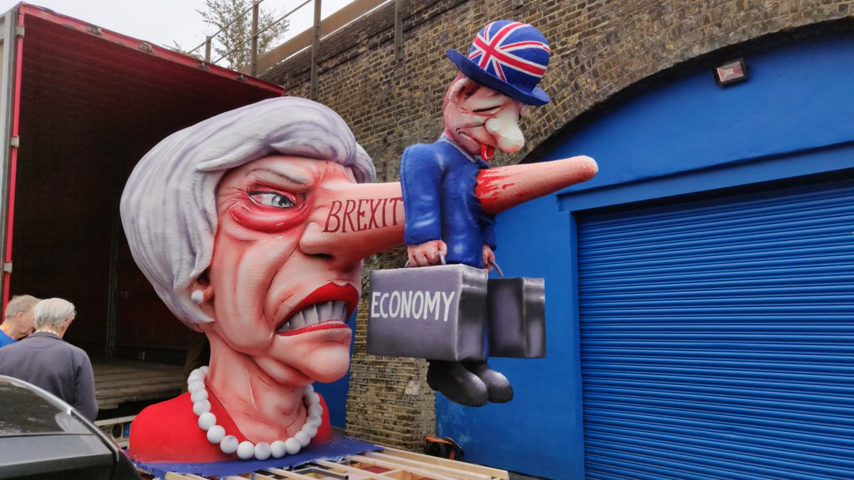 Oops, we might have accidentally brought this over from Germany for the March today...  #euflagmafia #theresamayfloat<br>http://pic.twitter.com/lEwZ3fpmpe