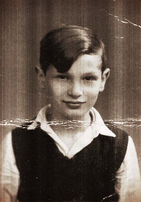 23 March 1928 | Isaac Futerman was born in Tel Aviv (then British Mandate for Palestine). During the war he lived in Paris. On 17 August 1942 he was deported from #Drancy to #Auschwitz where he was killed.<br>http://pic.twitter.com/BVlOzniSm4