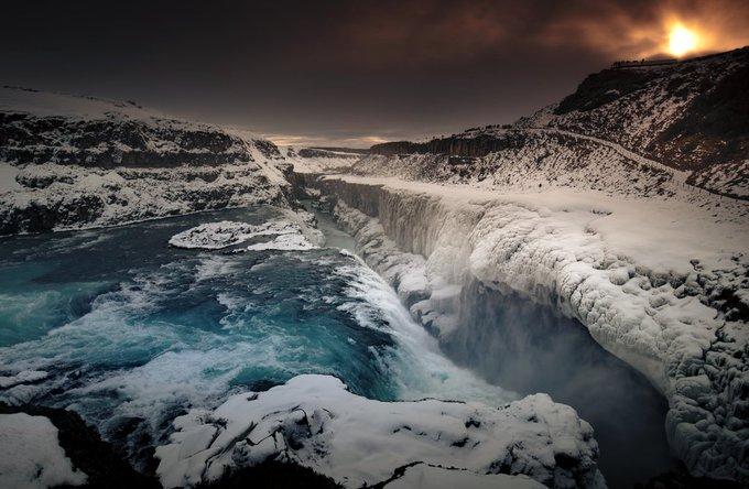 Islandia en 72 horas,un pequeño resumen de la última aventura en la isla. Empezamos en la majestuosa cascada de Gullfoss,en el 'Círculo Dorado' Abro hilo ⬇️