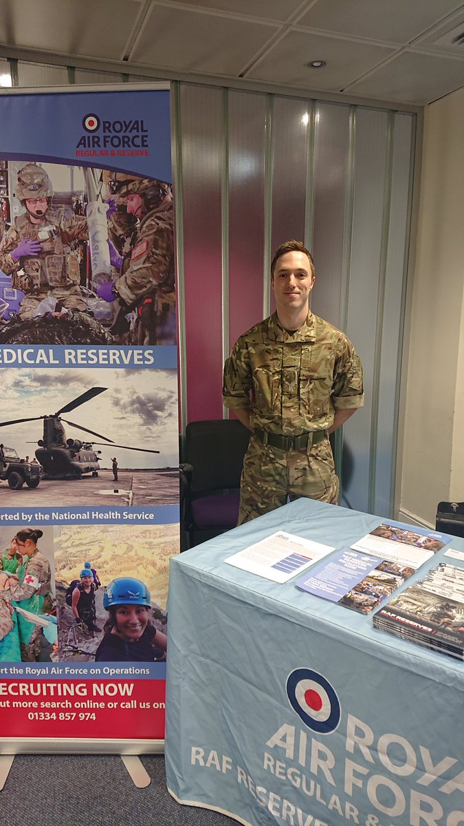 Helicopter Medical Careers at Glasgow Uni. Fantastic event! Thanks for inviting the @RoyalAirForce Lots of interest in full and spare time activities with the RAF! #HelimedCareers