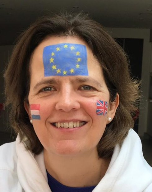 Today I am marching.  It is perfectly possible to feel Dutch, English, British and European.  I don&#39;t need Brexit in order to have an identity. <br>http://pic.twitter.com/33cKtxTbYs