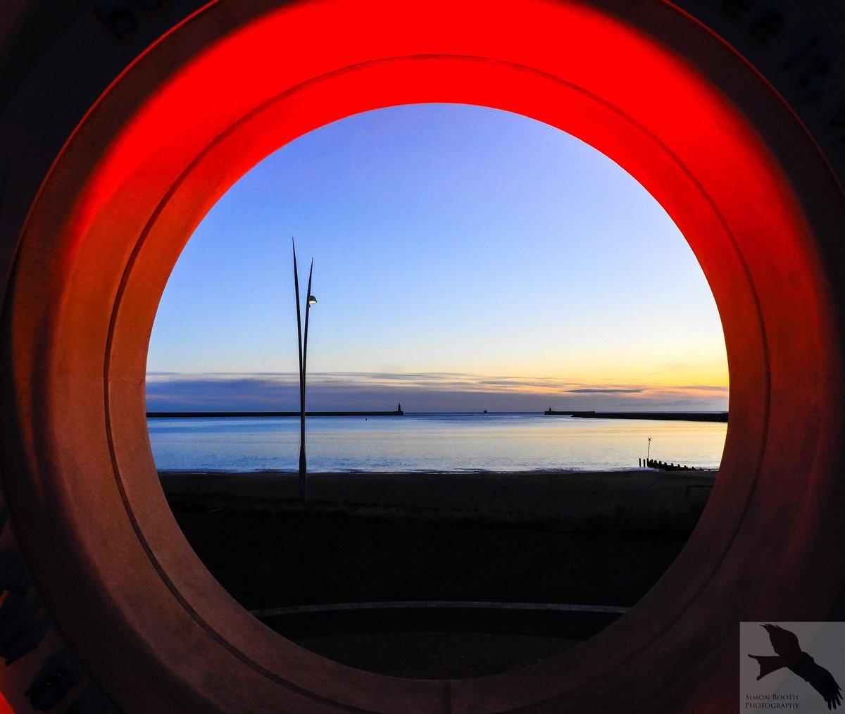 Keeping an eye on the Tyne - Littlehaven,South shields :-)  @SouthShieldsUK @Port_of_Tyne @shieldsgazette @NPhotomag @PaulKingstonITV @StormHour @ThePhotoHour @EarthandClouds #POTW #southshields #Northeast #LoveSouthTyneside #Sunrise #Coast #Photography