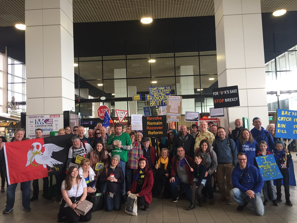 The first wave of marchers from MK heading to #PutItToThePeopleMarch  Many more following behind!  #PVRoadTrip #PutitothePeople<br>http://pic.twitter.com/bzXgFLC7VW