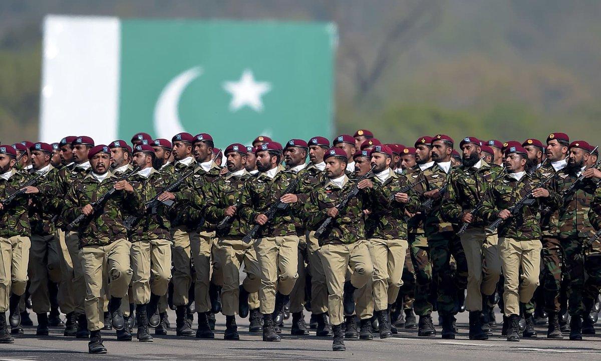 في عيدها الوطني.. باكستان تدعو للسلام مع الهند وتعرض قدراتها العسكرية D2VjHGTWoAAH1Nq