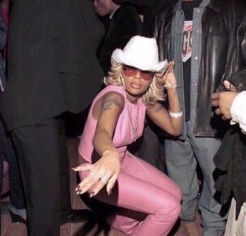 Gaga: Tap down those boots while I beat around, let's funk downtown..  Me: <br>http://pic.twitter.com/iqG6XNk39l