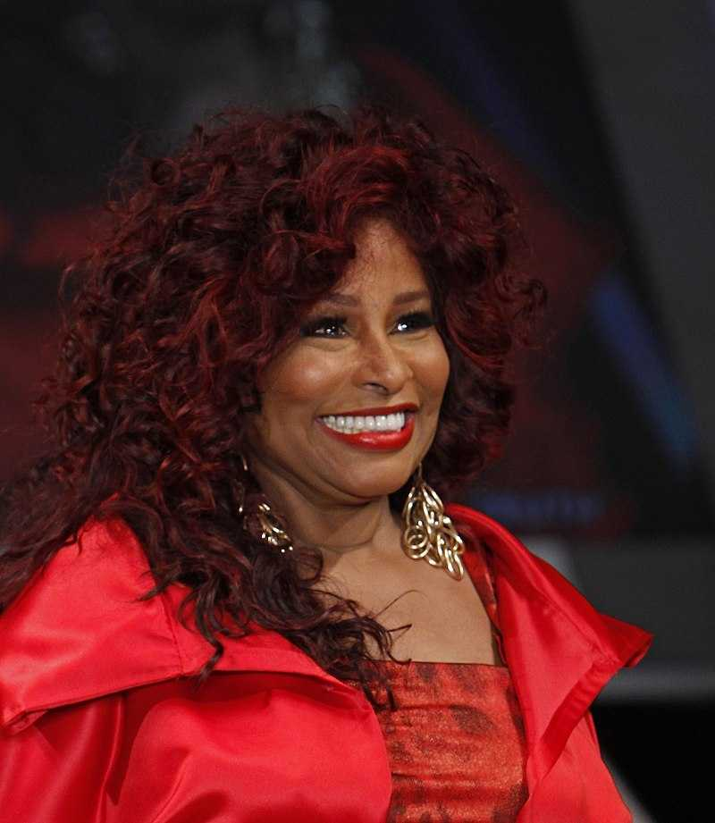 Chaka Khan celebrates her 66th birthday today. Known as the Queen of Funk, she was the first R&amp;B artist to have a crossover hit featuring a rapper, with &quot;I Feel for You&quot; in &#39;84. Khan has won 10 Grammys &amp; has sold an estimated 70M records worldwide. #80s<br>http://pic.twitter.com/sLMB2jkdj6