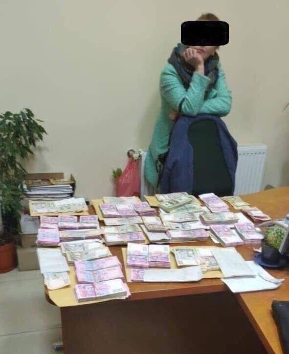 Двох співробітників Одеської митниці затримано на хабарі 30 тис. грн за зниження штрафних санкцій, - військова прокуратура - Цензор.НЕТ 6402