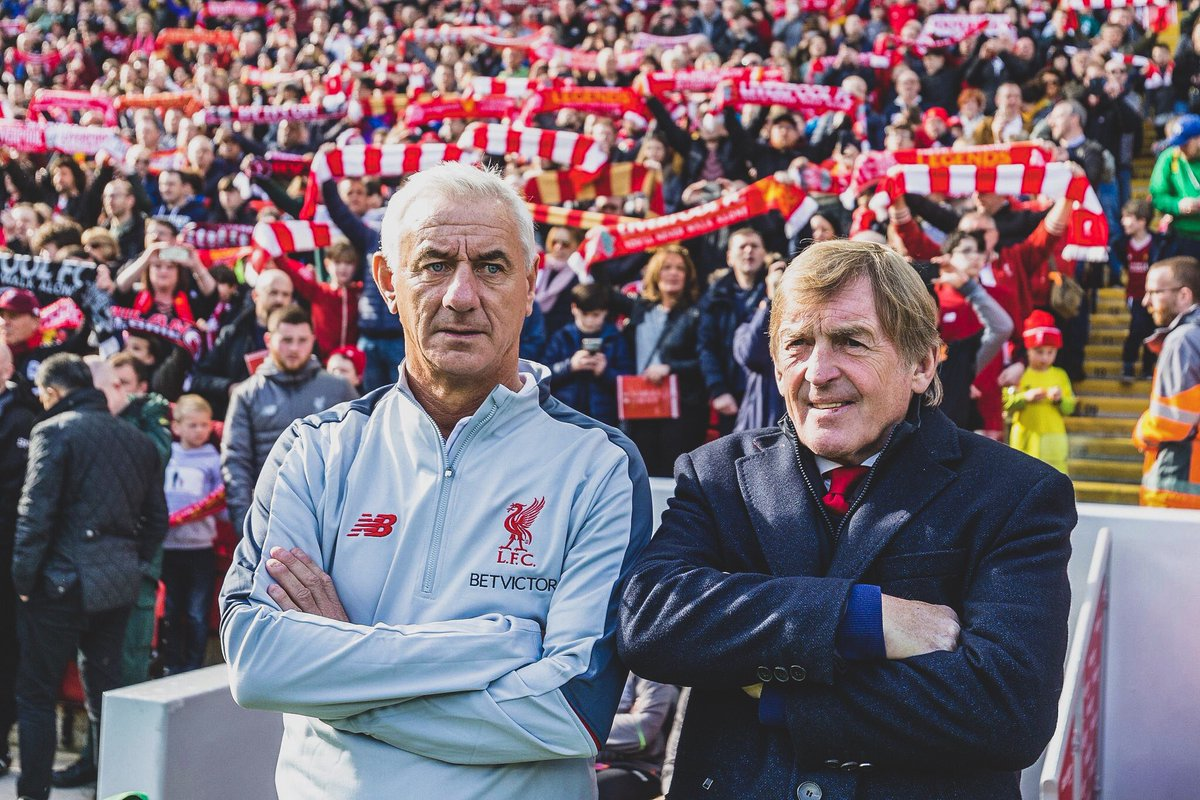 🔴 @LFC Legends 3-2 @ACMilan Legends.  👑 Kenny Dalglish & Ian Rush were in the dugout.  🏴 Fowler scored the opener.  🇮🇹 Pirlo scored a free-kick.   🤩 Gerrard scored the winner in front of the Kop!  👏 Rolling back the years.