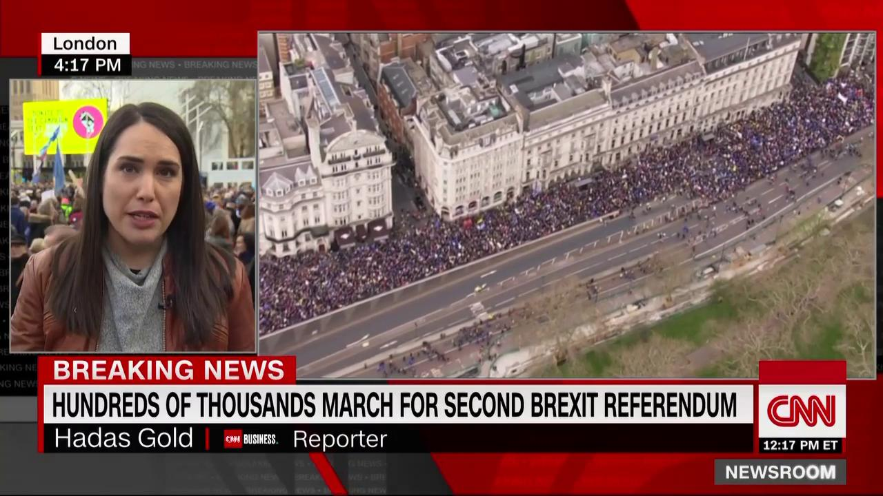 Hundreds of thousands are marching in London today to demand a second Brexit referendum. https://t.co/yIB0MF9hsq https://t.co/9uZAqIU91Z