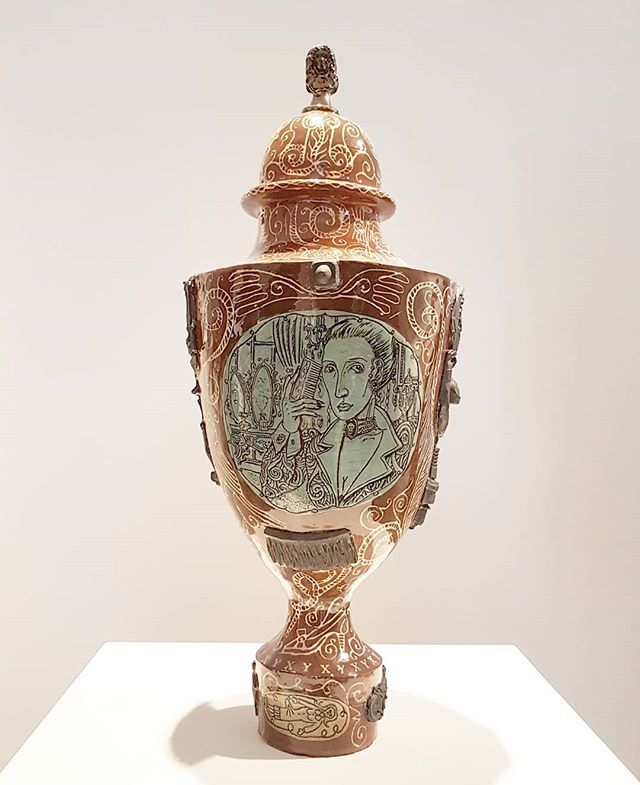 #GraysonPerry #IamTwoFaced #ceramic pot @victoriamirogallery #Venice @venicegalleriesview https://t.co/wAlAFwYa1q