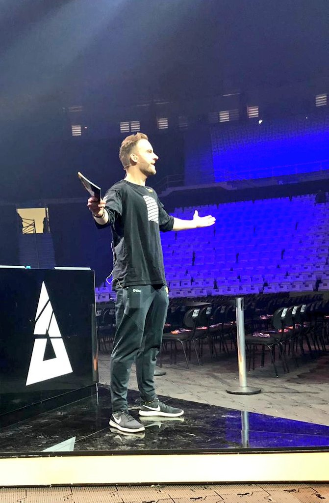 Rehearsals underway, #BLASTProSeries #SaoPaulo is almost here!!  Kicks off on http://twitch.tv/BlastProSeries  and on telly worldwide @ 12.30pm local time - you're in for a very special show 🇧🇷!!)  (📸 @getfrank with the snaps) 👊 – at Ginásio Geraldo José de Almeida (Ginásio do Ibirapuera)