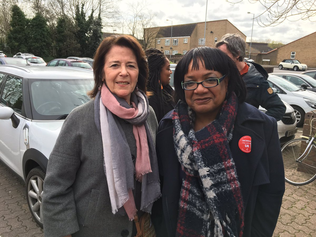 Out canvassing in Swindon today for the local elections and the lovely @HackneyAbbott came over to meet us after her meeting with Honda workers  <br>http://pic.twitter.com/af4WcPWjgp