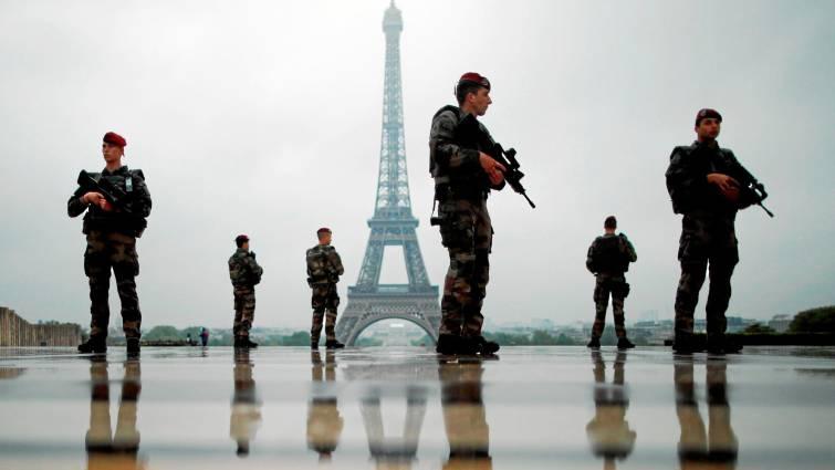 #Francia 🇫🇷 saca a los militares a la calle en la marcha número 19 de los #ChalecosAmarillos  →  http://bit.ly/2HD0vhA