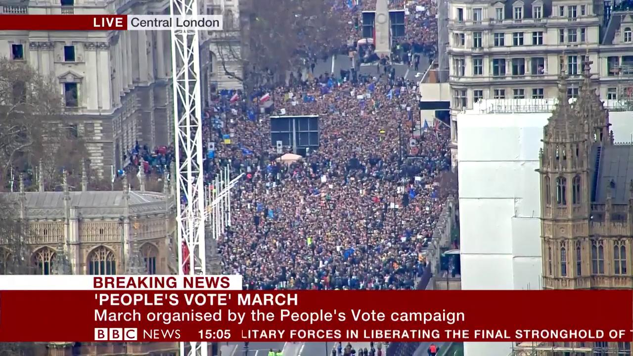 Hundreds of thousands join #PeoplesVoteMarch in central London  https://t.co/wR1boHZnSc https://t.co/xMQnmPNwug