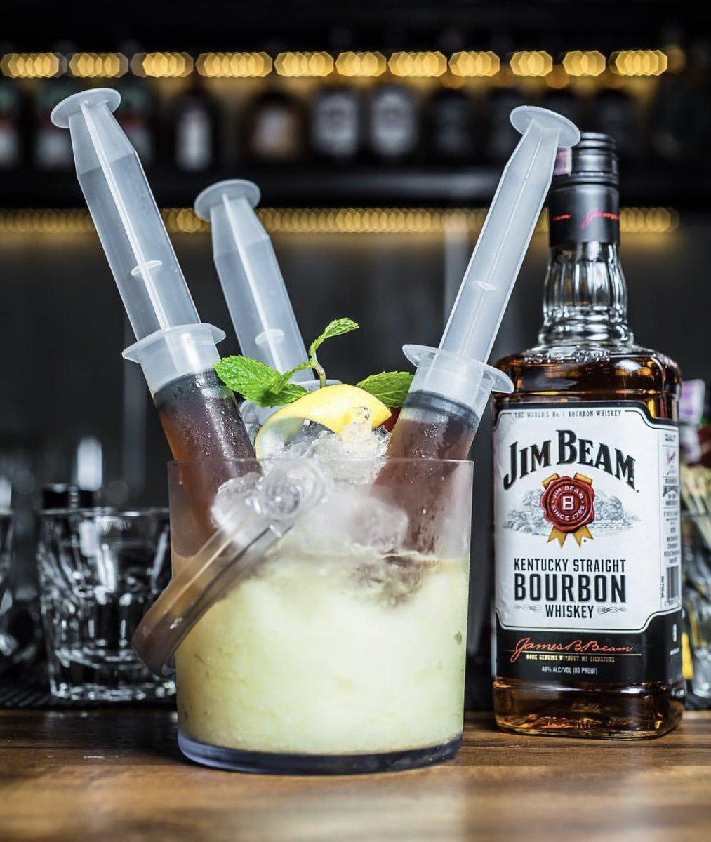 Kalau mau chill lagi, di lantai dua kita punya bar yang bebas merokok, ada signature cocktails juga
