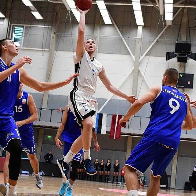 test Twitter Media - Täna mäng kuuenda kohapeale! Kes kohapeal kaasa ei saa elada, saab seda teha https://t.co/6vfr6Bpq8u vahendusel. Link bios! #unitartubasket #tartuülikool #basketball #gameday https://t.co/9lb1Ngac1Y https://t.co/UB9JH1sRMA