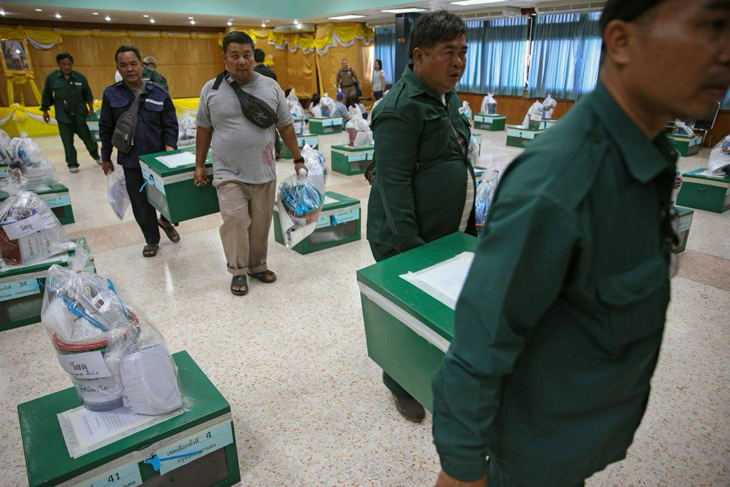 Election observers say face limitations in Thai poll https://t.co/ToSEJ7T5B8 https://t.co/YAs7Sobag5