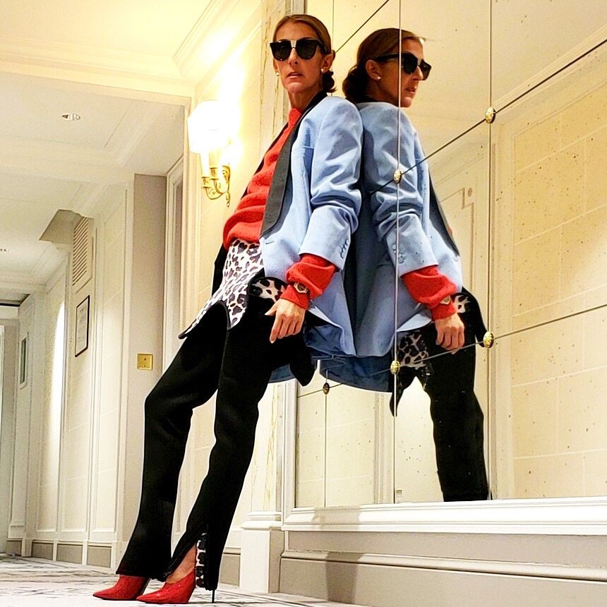 Queen @celinedion never misses a style opportunity  <br>http://pic.twitter.com/7OaAyt3QPu