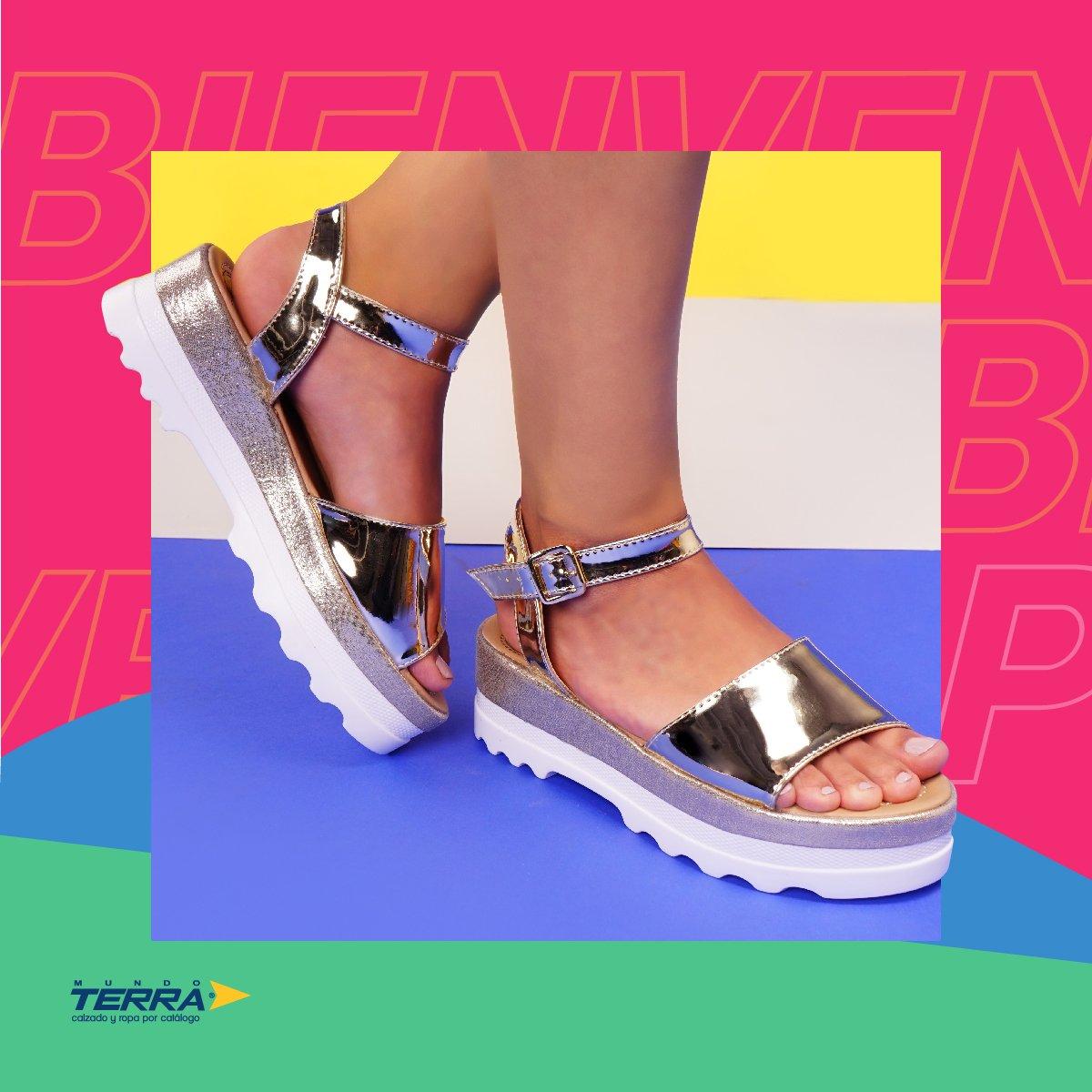 ¡Atrévete a usarlos! Los zapatos dorados están en tendencia esta temporada.  #mundoterra #shoes #loveshoes #primavera #zapatos #fashion #moda https://t.co/Es441FGkeY