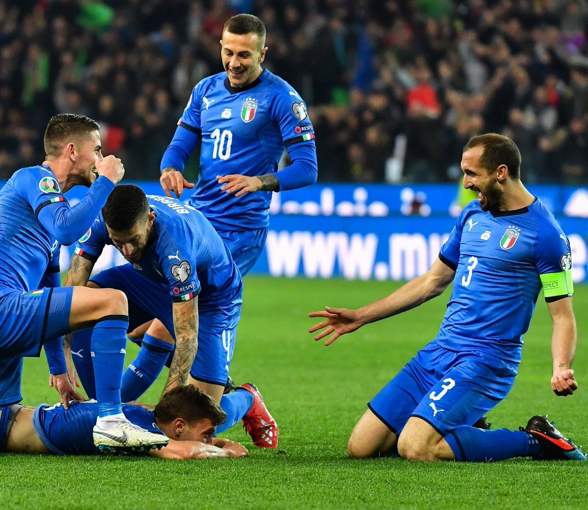 Giorgio Chiellini's photo on #ItaliaFinlandia