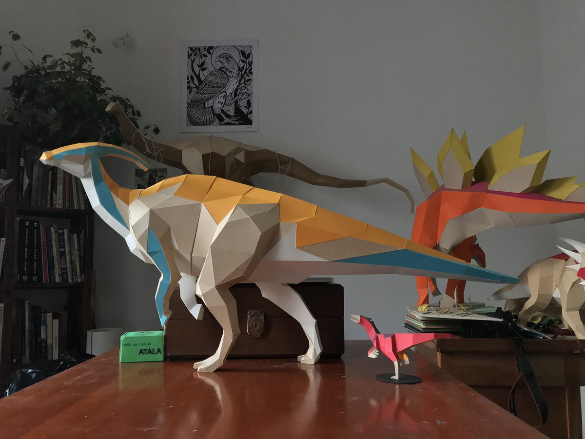Handcut paper models by Seba Naranjo welcome dinosaurs back from extinction  https://www. thisiscolossal.com/2019/03/paper- dinosaurs-by-seba-naranjo/ &nbsp; … <br>http://pic.twitter.com/yFBWd7oyHb