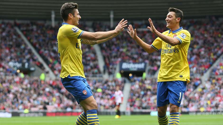 It took Mesut Özil just 614 seconds to register his first Premier League assist for Arsenal.  Hit the ground running. <br>http://pic.twitter.com/XJLbkSge9x