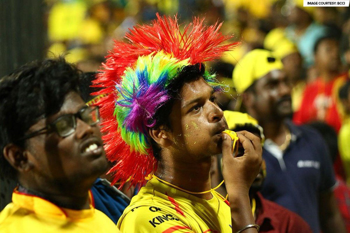 Chepauk = #Yellove!    More such fan moments will come to you LIVE during the #VIVOIPL season, only on Star Sports. #CSKvRCB #GameBanayegaName<br>http://pic.twitter.com/G6U4SvERvN