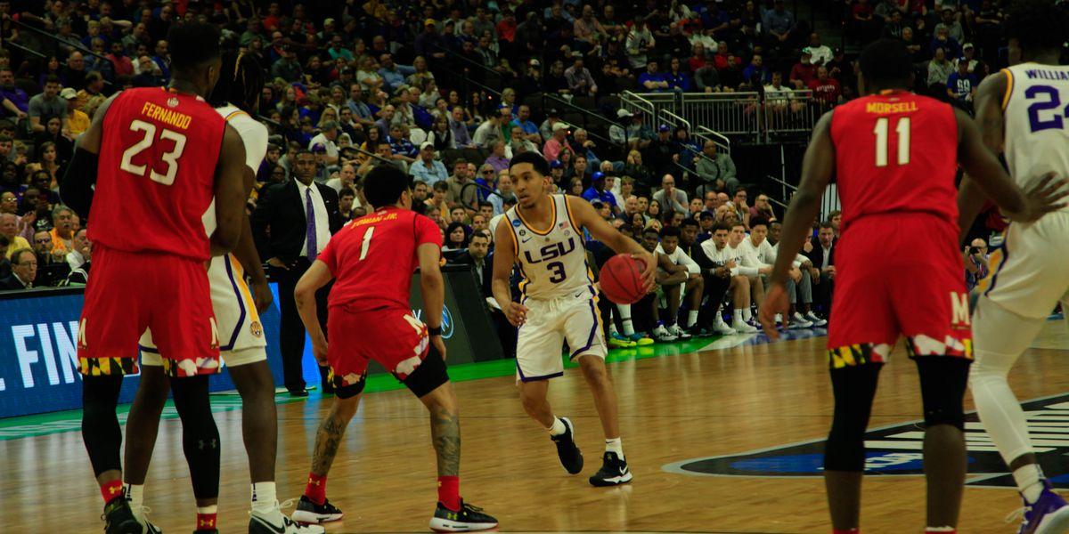 No. 3 LSU basketball heads to Sweet 16 &gt;&gt;  http:// bit.ly/2UNJyEh  &nbsp;  <br>http://pic.twitter.com/IeFKaWbDPJ