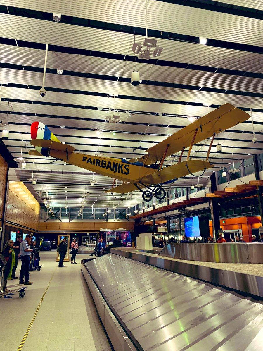 日本を出発して18時間。 フェアバンクス国際空港に到着(3/20 23時) 羽田→バンクーバー→シアトル→フェアバンクス✈️ #Fairbanks #フェアバンクス  – at Fairbanks International Airport (FAI)