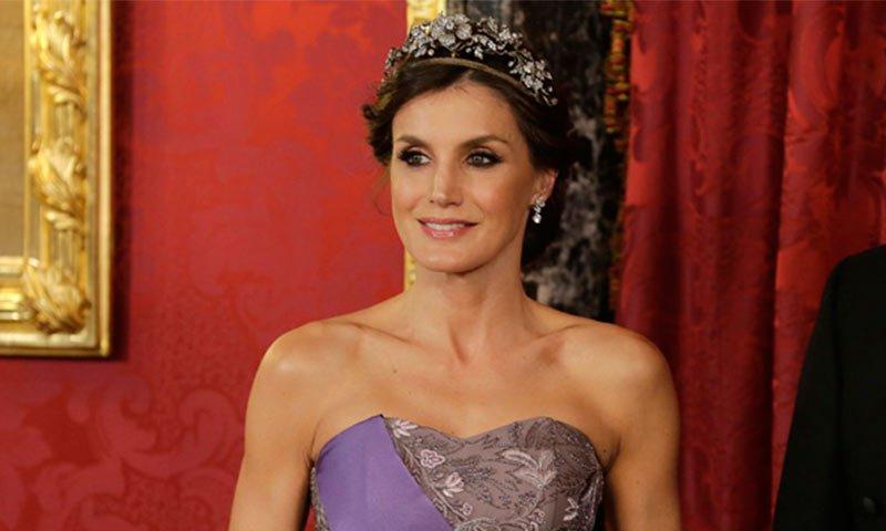 5c79bf2a57 la tiara favorita de la reina letizia una diadema con mucha historia