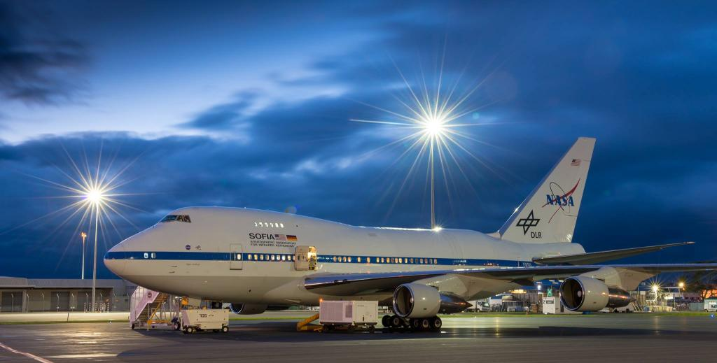 Passionate about the world of astronomy? Apply to go behind the scenes of @SOFIAtelescope, the world's largest flying telescope, during an April #NASASocial event in California where youll meet researchers exploring the cosmos from 40,000 feet! Details: go.nasa.gov/2Fwdn7b