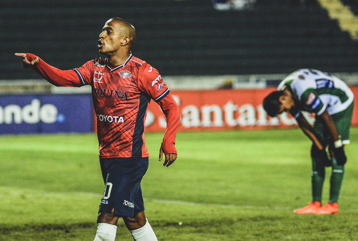 🇧🇷 Brazilian Serginho was subjected to racist abuse in the Bolivian league.  😔 He was taking a corner when fans started chanting vile racist abuse.  👊 Serginho immediately walked off the field.  🗣 He said afterwards: 'This is not football. We are all equal.'  👏 Perfect reply.