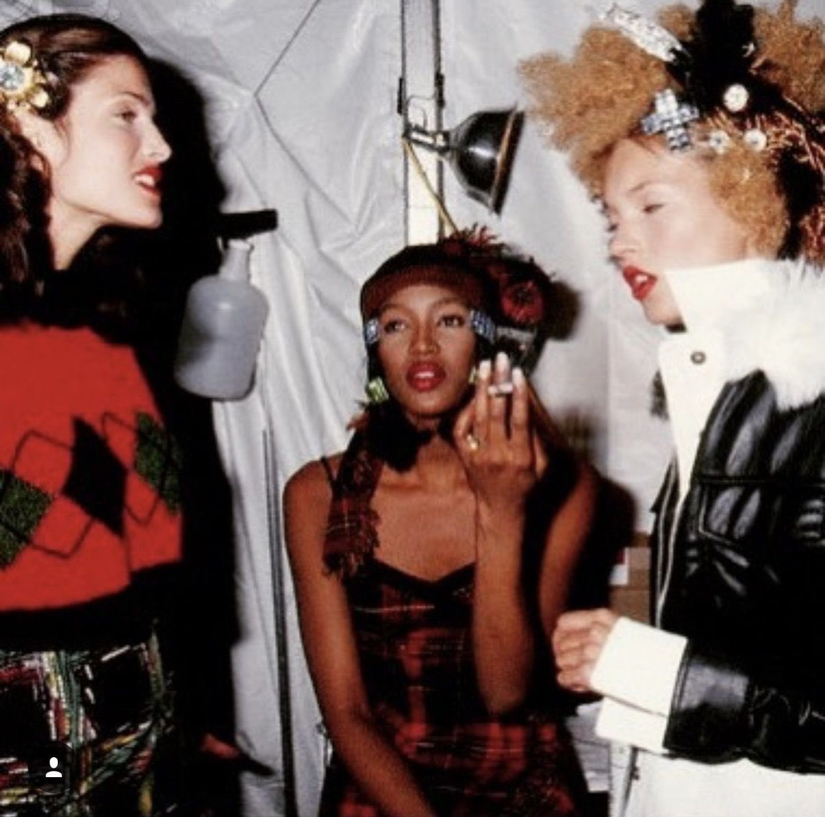 Backstage photos in the 90s <br>http://pic.twitter.com/Br6KiIdcwQ