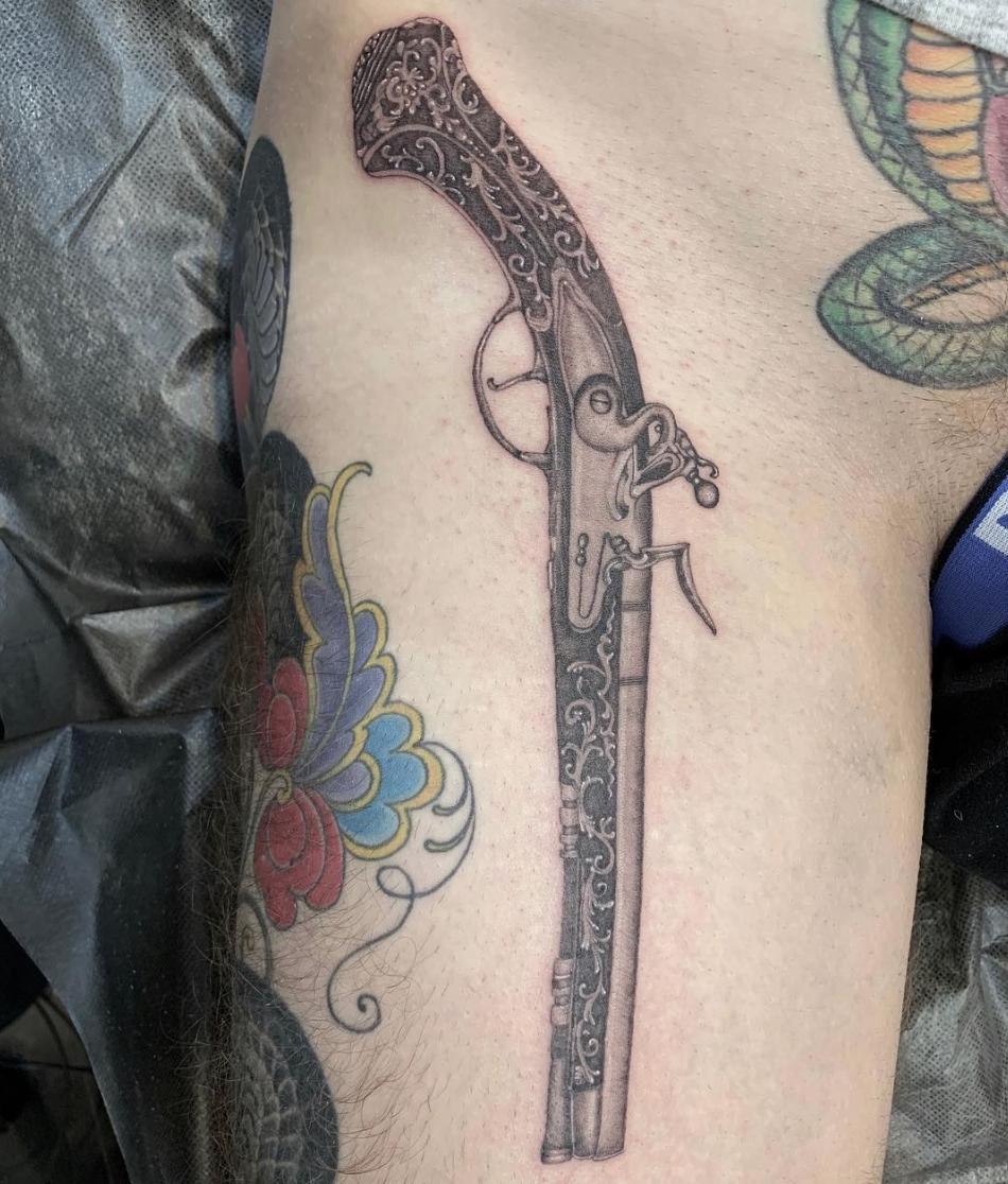 dab515f9f8c4a Hashtag #tattooing na Twitteru