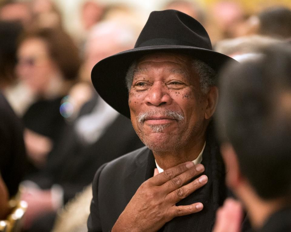 Morgan Freeman converted his 124-acre Mississippi ranch into a bee sanctuary https://t.co/Nazch5GnaK https://t.co/h2zJ04q6go