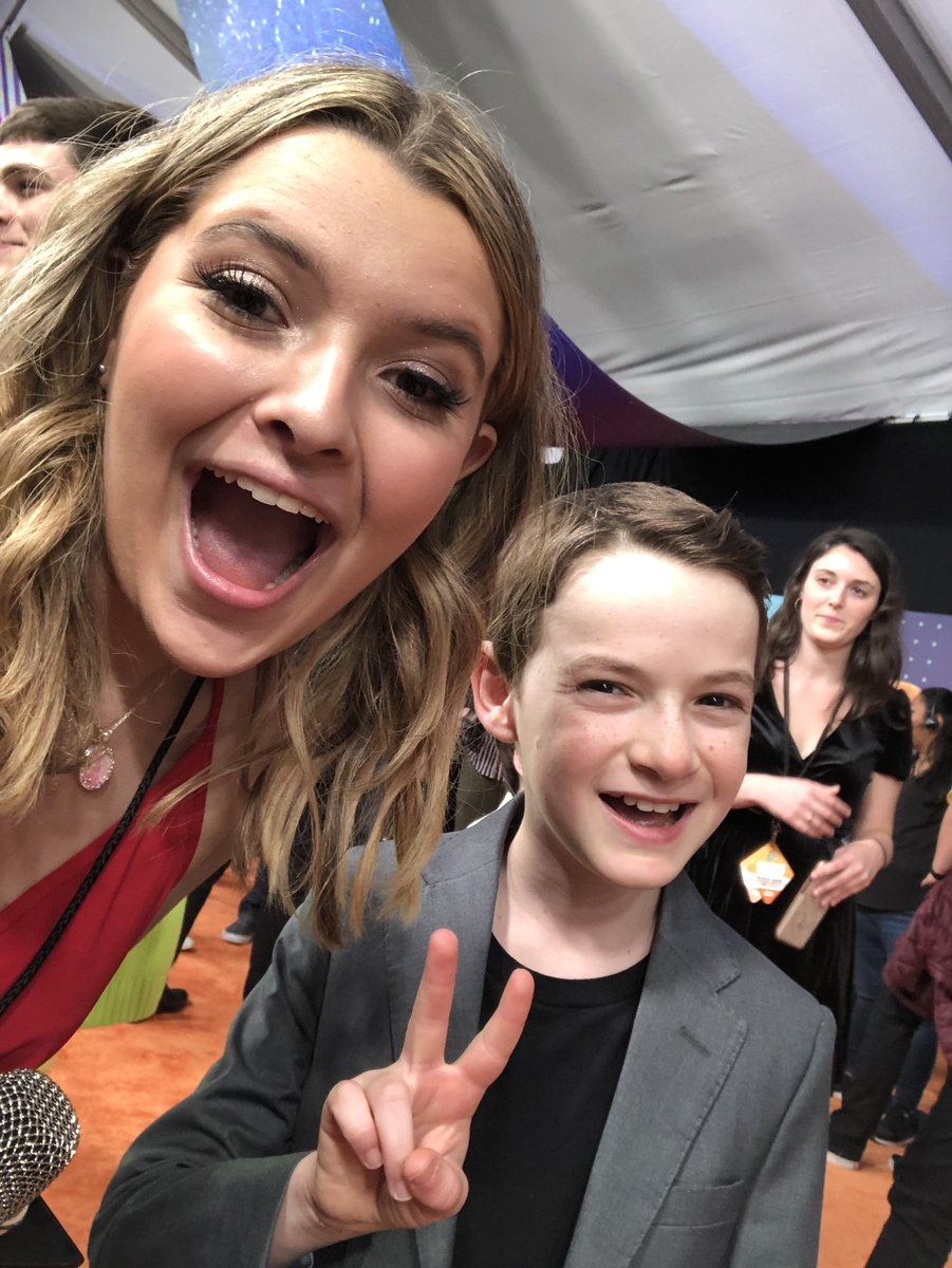 ✌️ @JasonMaybaum from #RavensHome is with @realsammyjaye on the #KCA orange carpet!