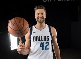 Maxi with the ballerina steal! #mavs #mffl