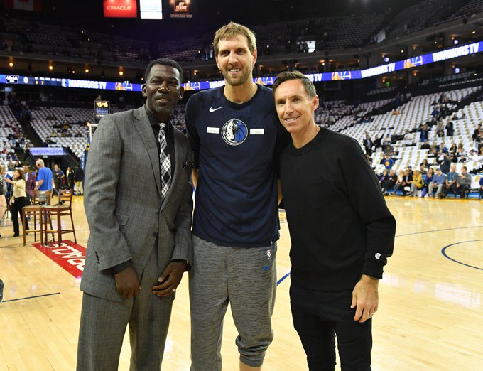Former teammates @SteveNash and @MichaelFinley with @swish41 in Oakland!