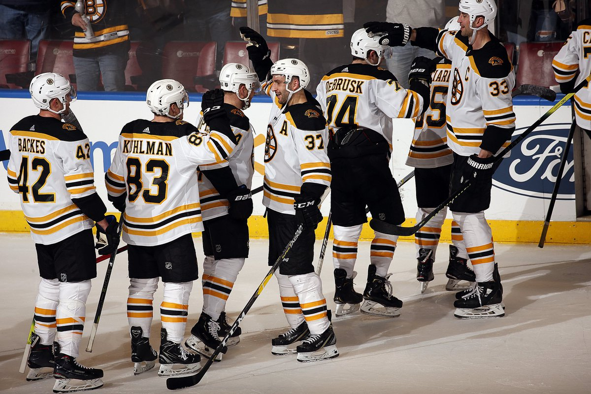 200 goals for Big Zee  Four straight wins  A second straight 100-point season  A berth in the Stanley Cup Playoffs   How was your Saturday night? <br>http://pic.twitter.com/NVJ8qFCgFc