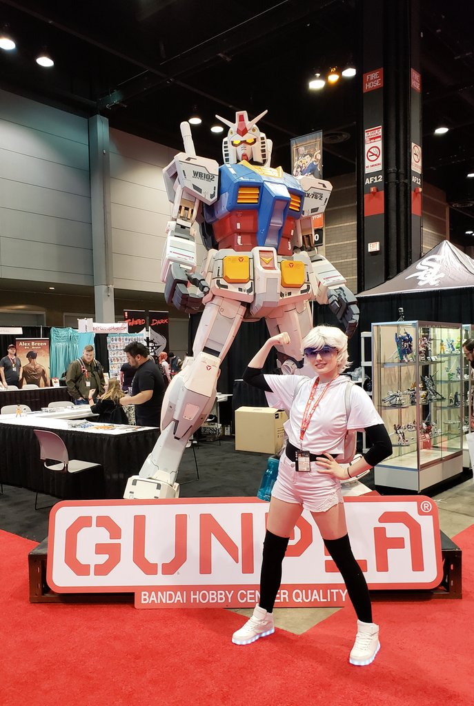 Tailgate wasn&#39;t the only bot on the con floor this weekend <br>http://pic.twitter.com/sGqbdRrrND