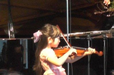 今日は、娘のヴァイオリンの発表会でした。 頑張った。
