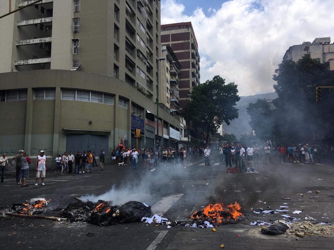Dictadura de Nicolas Maduro - Página 37 D2_7eLYWoAAz_2b