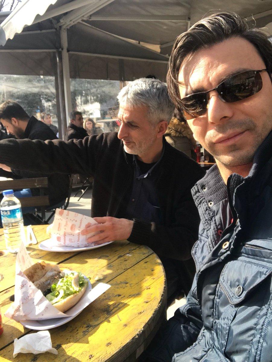 Denk gelenlerde bugun azat abe 🤨💭 (@ Karaköy Balık Evi in Arap Cami, İstanbul) swarmapp.com/c/7zbczMOkmi4