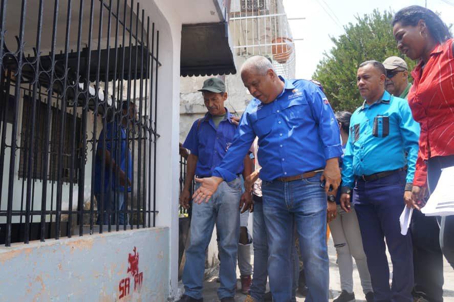 """Artículos sobre el deseo del """"exterminio de chavistas"""" por parte de seguidores de la oposición venezolana D2a6WKxW0AAG9Tv"""