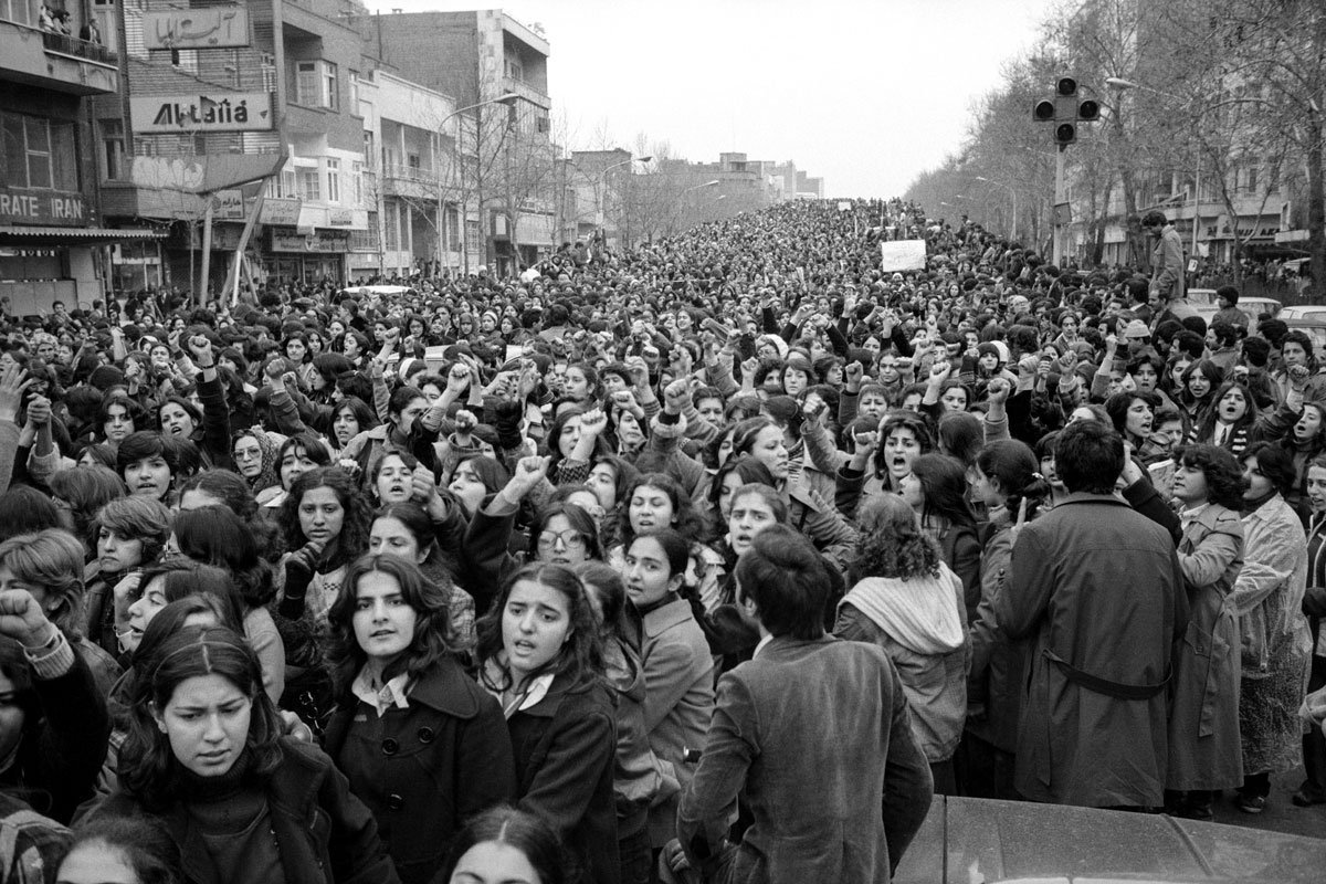 100,000 women protest against the compulsory head scarf covering for females ruling in Tehran, Iran, 1979 by photojournalist Hengameh Golestan #womensart