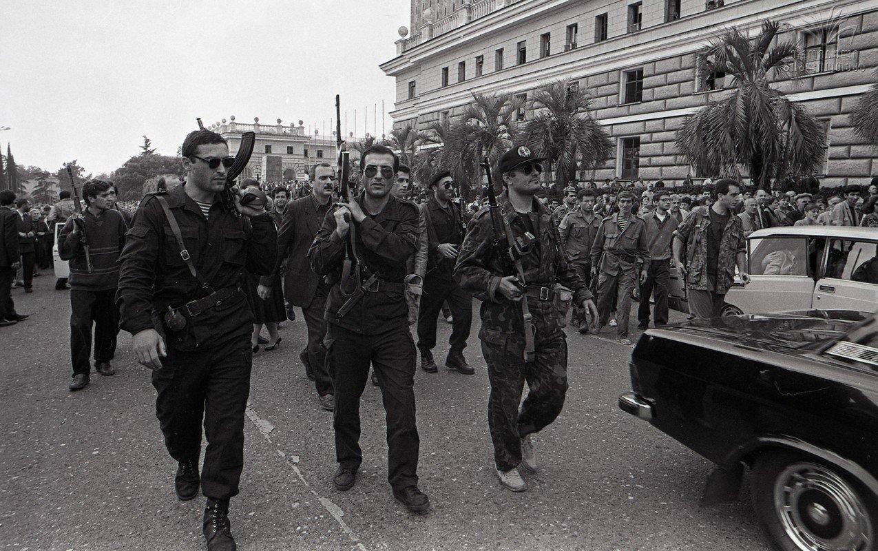огурец относится фото грузино абхазского конфликта кварцит обладает высокой