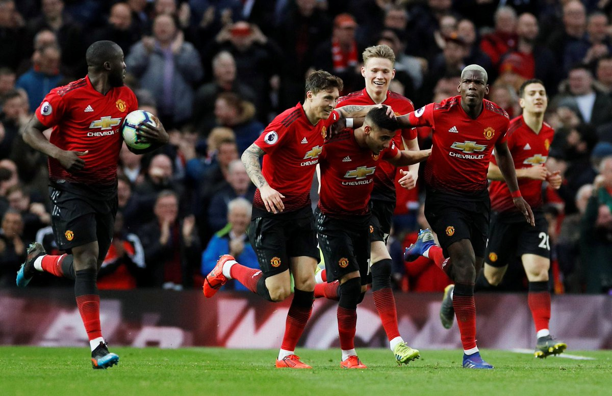 On 16 December, @ManUtd were 8️⃣ points adrift of the top four  Now they're well in the race ➡️ http://preml.ge/M4TGBD